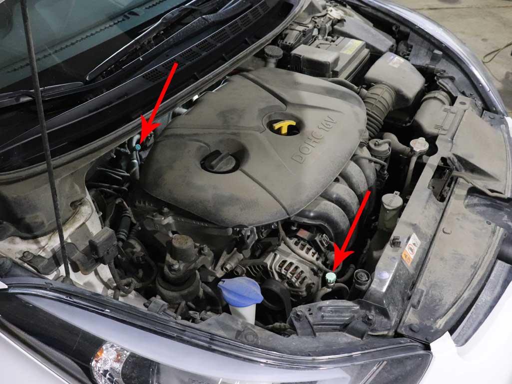 Заправочные порты кондиционера  Hyundai Elantra